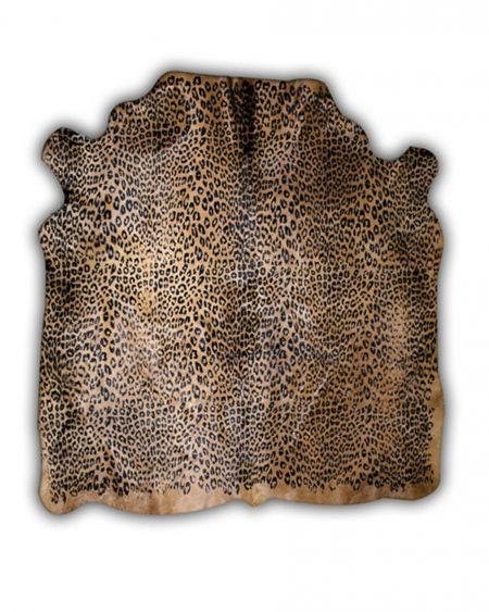Alfombra de piel natural de toro con diseño pantera