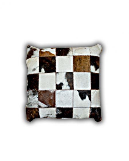 Cojín patchwork de piel natural de toro normando 2