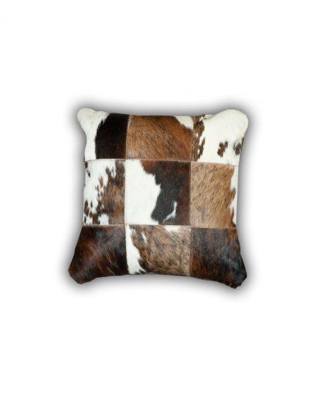 Cojín patchwork de piel natural de toro normando G2