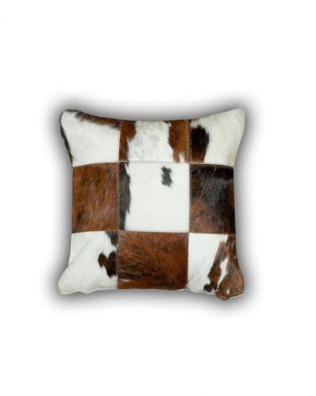 Cojín patchwork de piel natural de toro normando 3